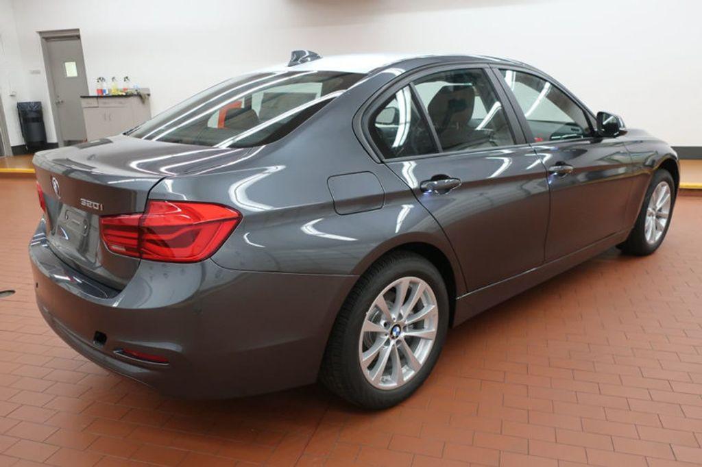 2018 BMW 3 Series 320i - 17176029 - 3