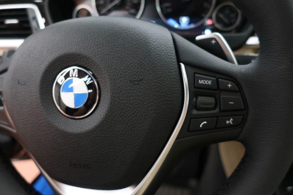 2018 BMW 3 Series 330e iPerformance Plug-In Hybrid - 16773274 - 32