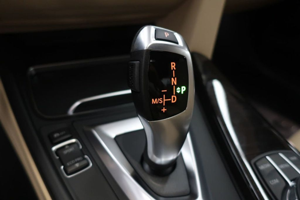 2018 BMW 3 Series 330e iPerformance Plug-In Hybrid - 16773279 - 36