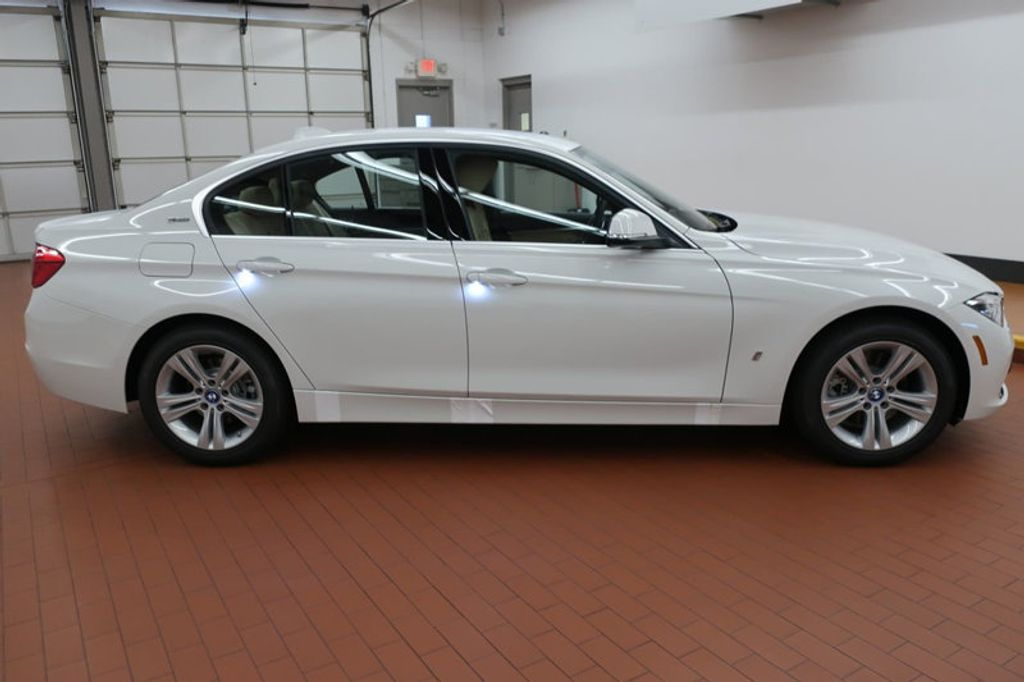 2018 BMW 3 Series 330e iPerformance Plug-In Hybrid - 16773279 - 4