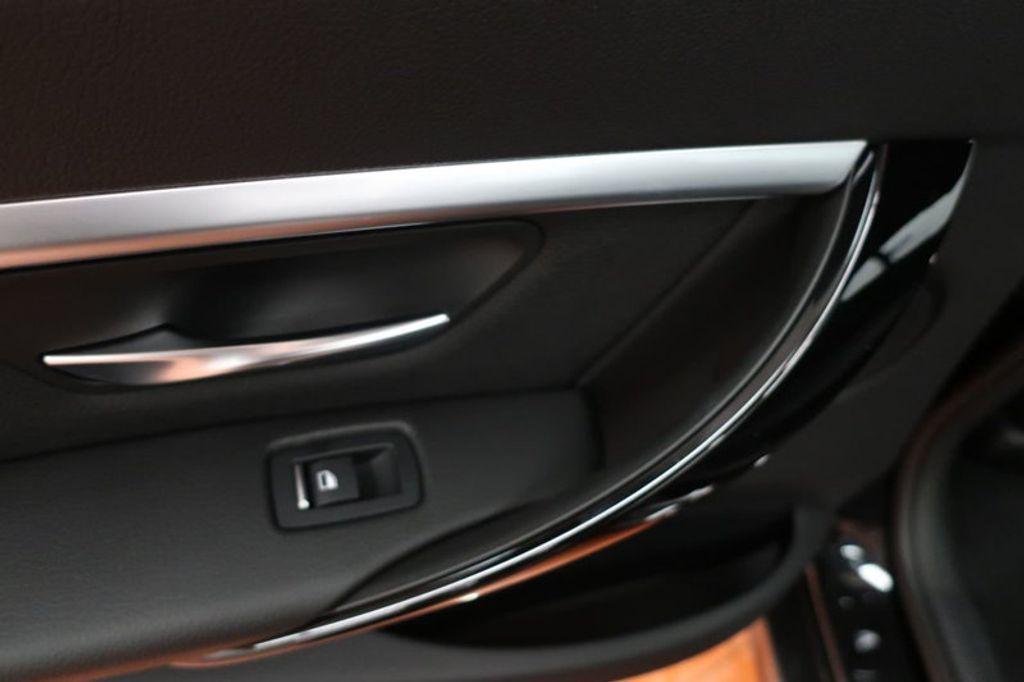 2018 BMW 3 Series 330e iPerformance Plug-In Hybrid - 16791448 - 19