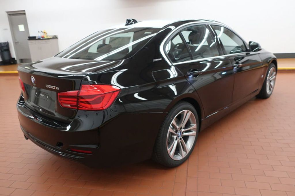2018 BMW 3 Series 330e iPerformance Plug-In Hybrid - 18137135 - 5