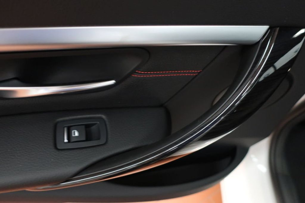 2018 BMW 3 Series 330i - 16688729 - 18