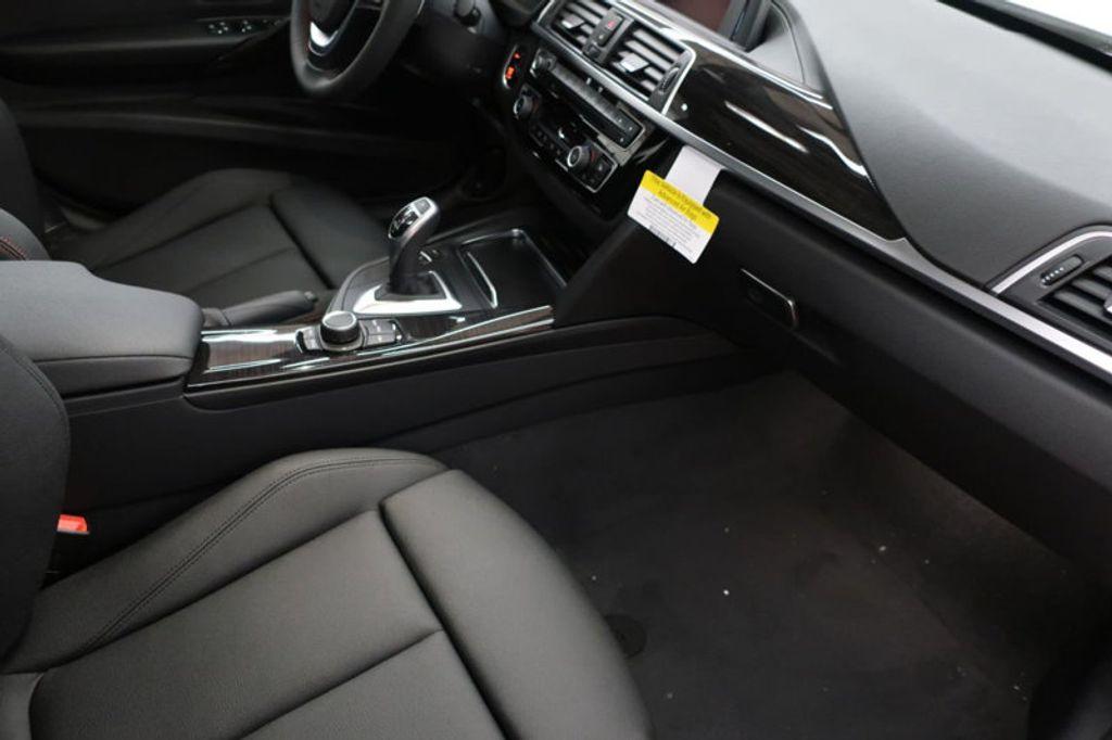 2018 BMW 3 Series 330i - 16688729 - 25