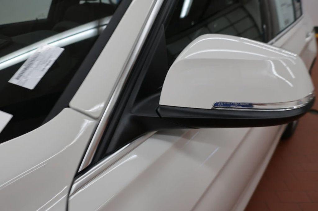 2018 BMW 3 Series 330i - 16688729 - 8