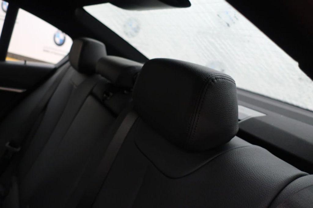 2018 BMW 3 Series 330i - 16727817 - 21