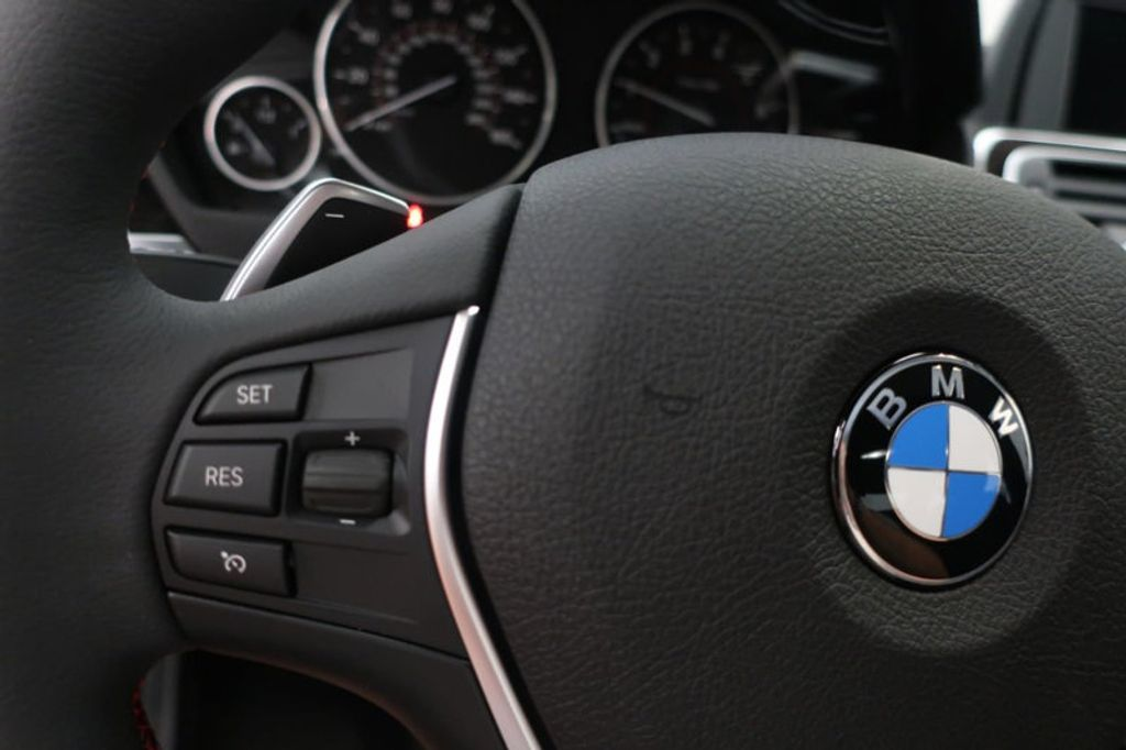 2018 BMW 3 Series 330i - 16727817 - 34