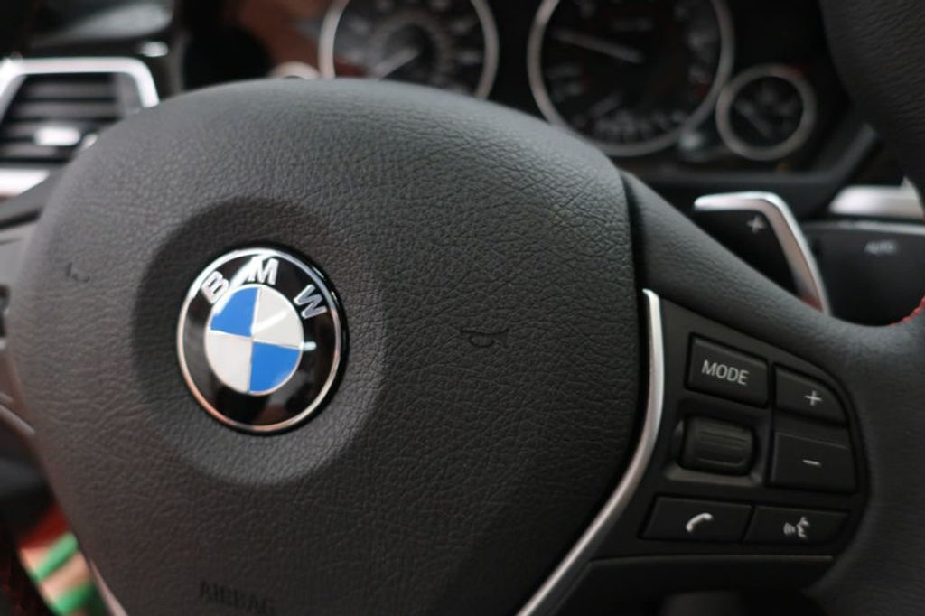 2018 BMW 3 Series 330i - 16727817 - 35