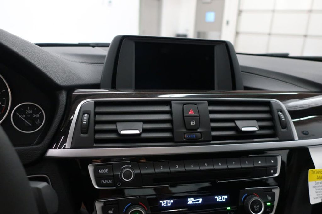 2018 BMW 3 Series 330i - 16727817 - 36