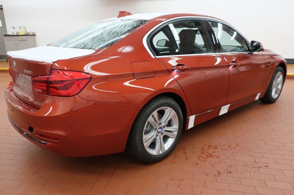2018 BMW 3 Series 330i - 16727817 - 3
