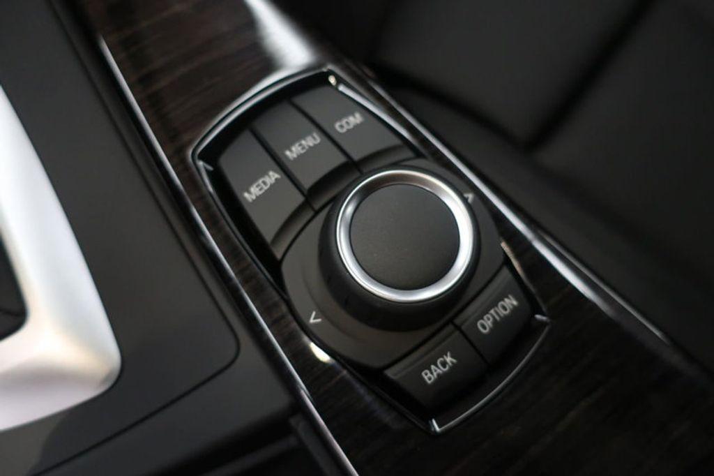 2018 BMW 3 Series 330i - 16727817 - 40