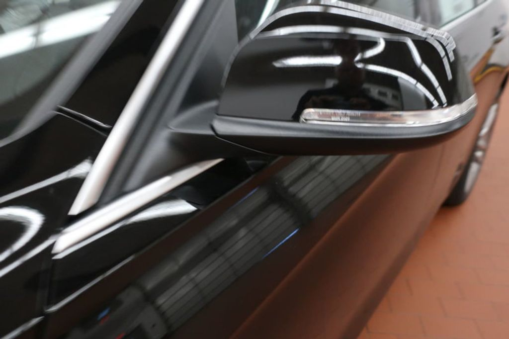 2018 BMW 3 Series 330i - 16904558 - 9