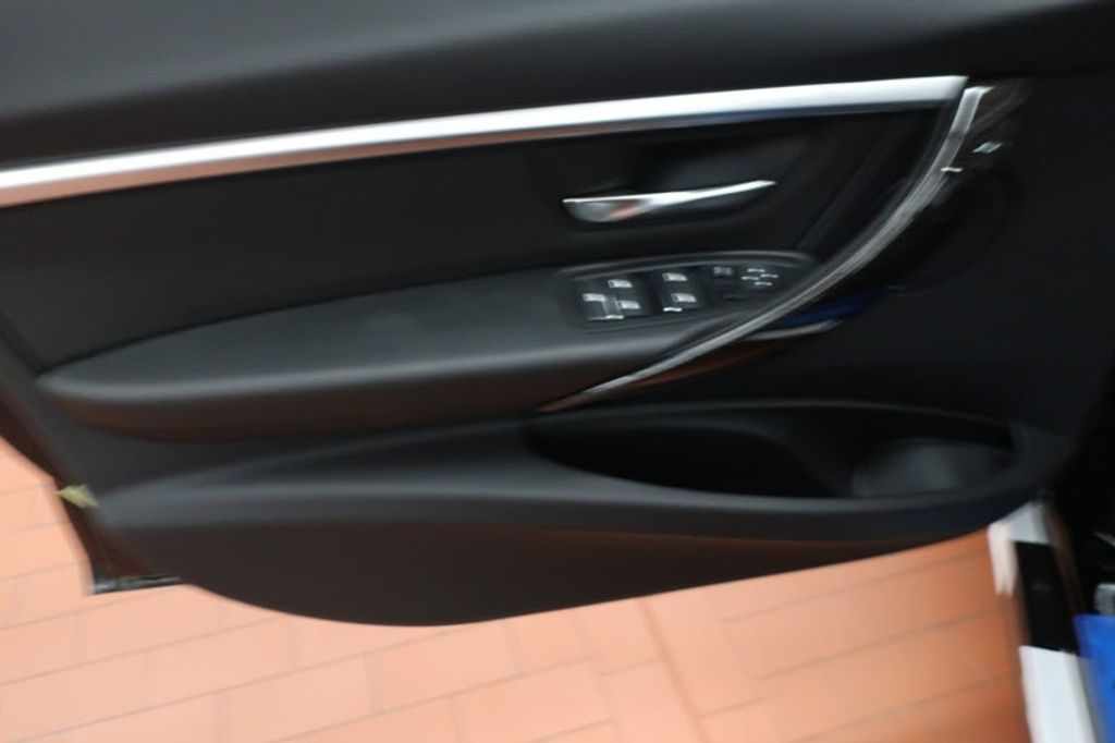 2018 BMW 3 Series 330i - 16904558 - 10