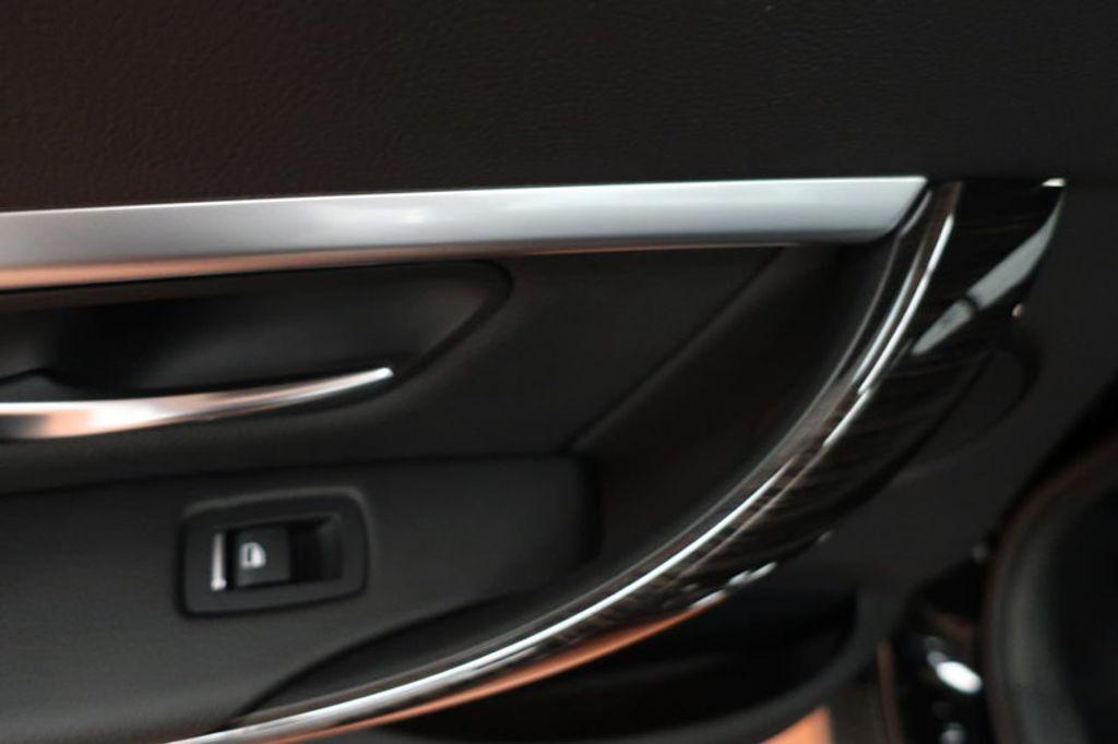 2018 BMW 3 Series 330i - 16904558 - 19