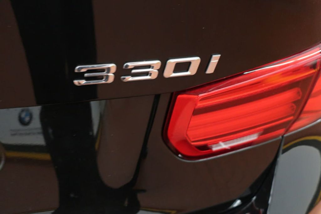 2018 BMW 3 Series 330i - 16904558 - 3