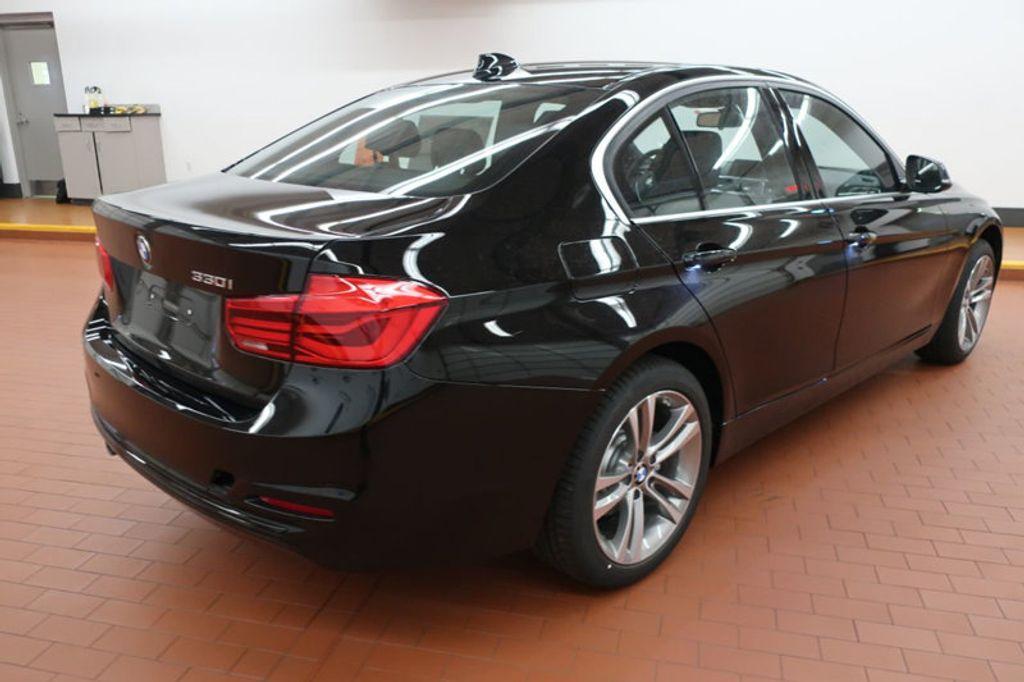 2018 BMW 3 Series 330i - 16904558 - 4