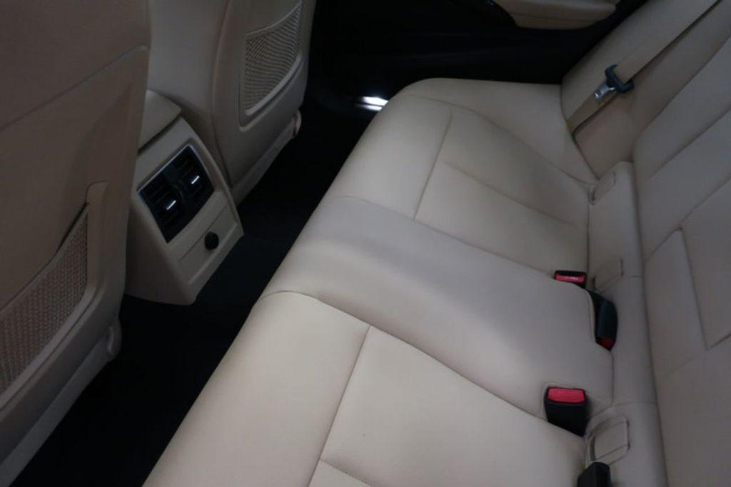 2018 BMW 3 Series 330i - 16912375 - 21