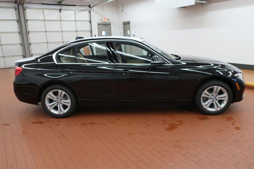 2018 BMW 3 Series 330i - 16912375 - 4