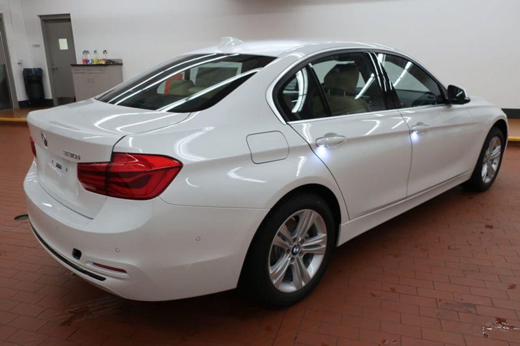 2018 BMW 3 Series 330i - 17176026 - 5
