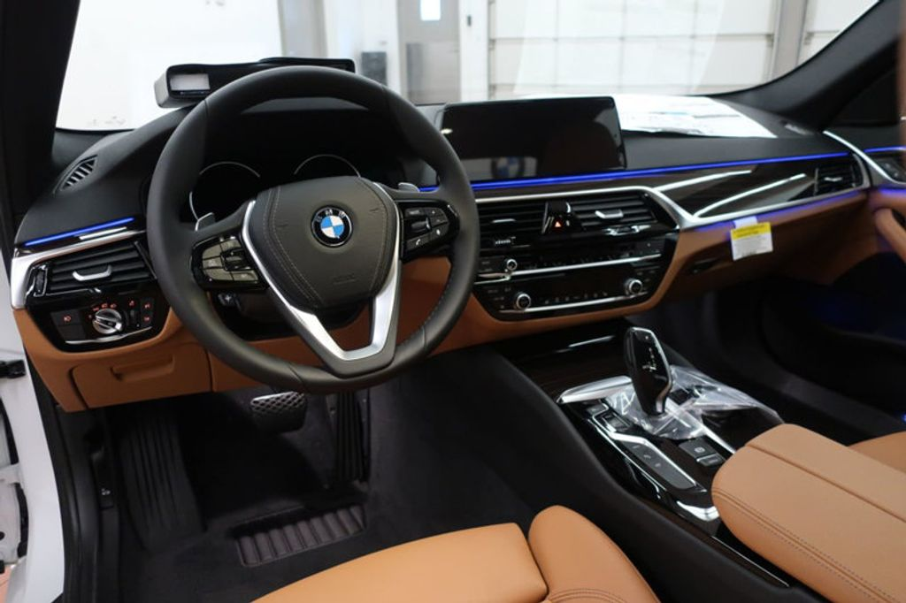 2018 BMW 5 Series 530e iPerformance Plug-In Hybrid - 17860061 - 26