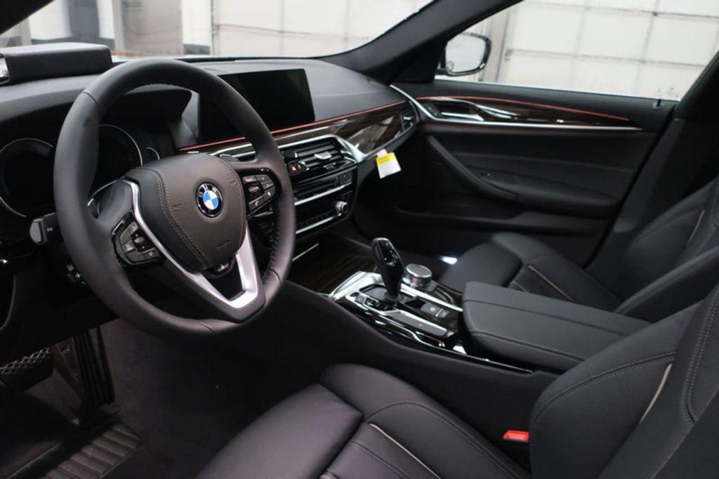 2018 BMW 5 Series 530i - 17063247 - 11