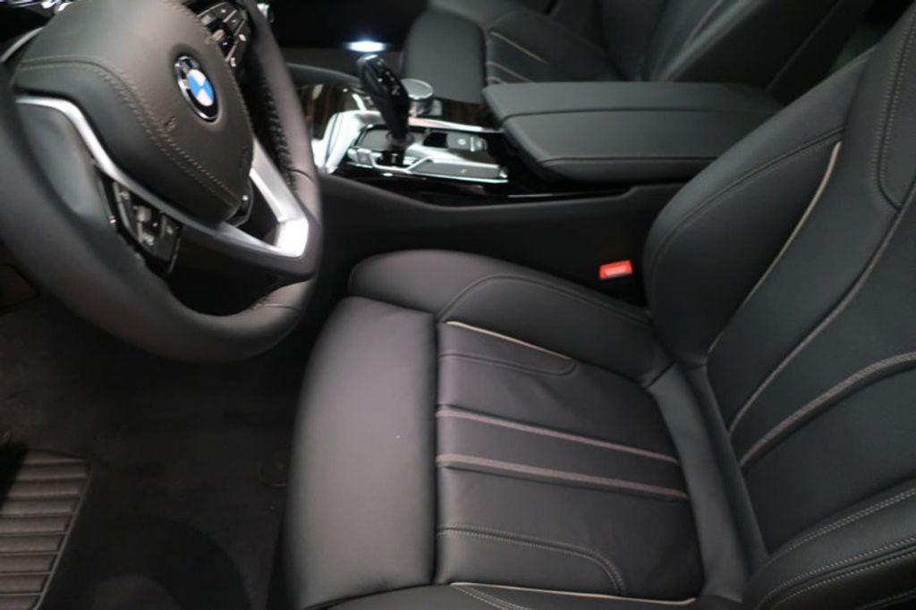 2018 BMW 5 Series 530i - 17063247 - 12