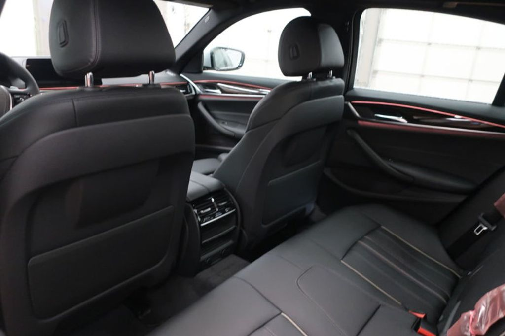 2018 BMW 5 Series 530i - 17063247 - 24