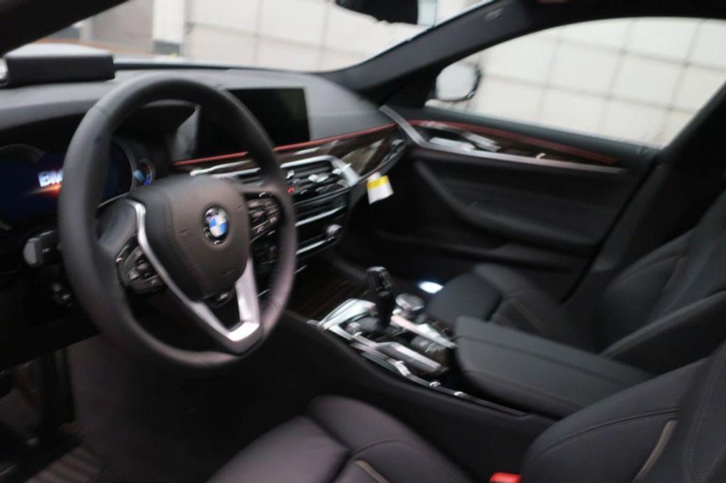 2018 BMW 5 Series 530i - 17063247 - 25