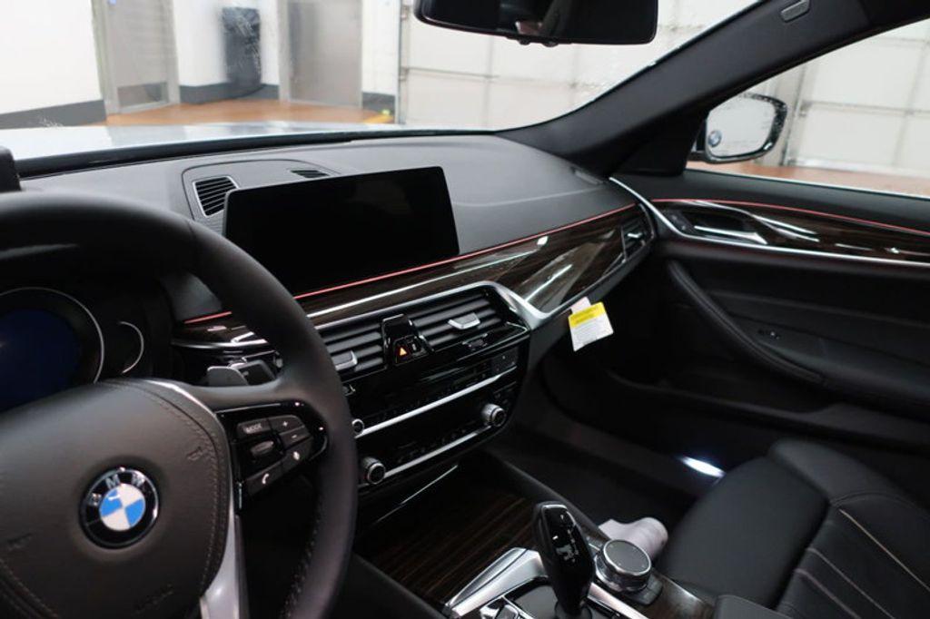 2018 BMW 5 Series 530i - 17063247 - 27