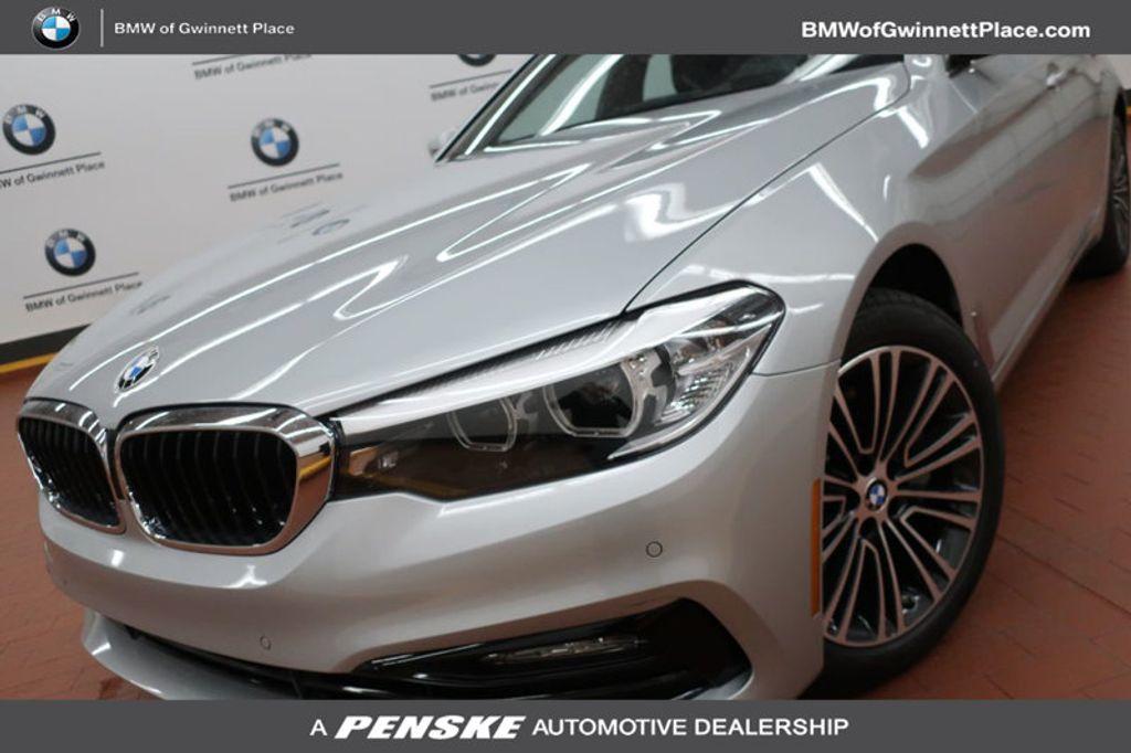 2018 BMW 5 Series 530i - 17172131 - 0