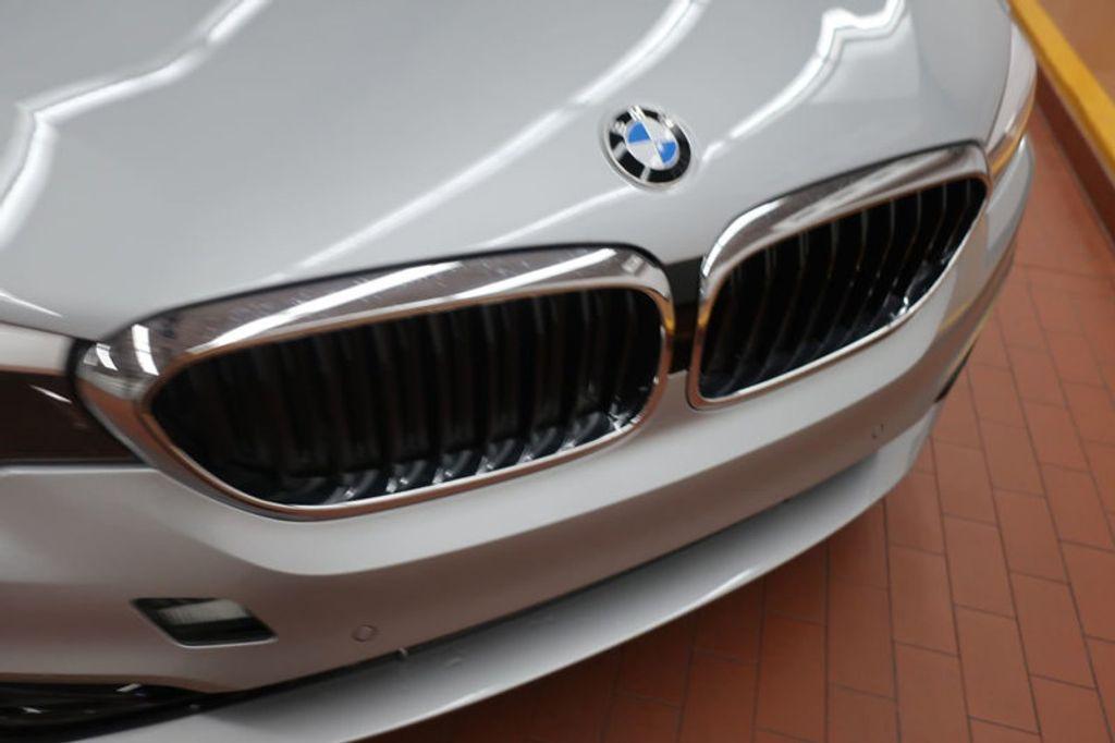 2018 BMW 5 Series 530i - 17172131 - 9