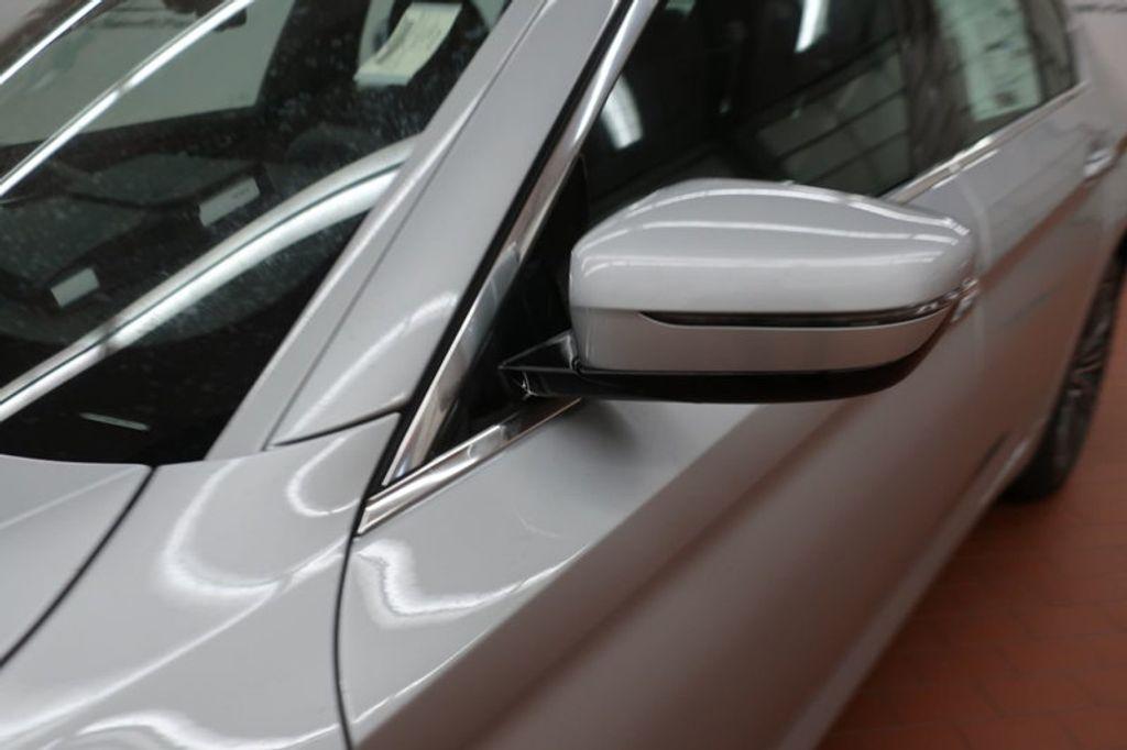 2018 BMW 5 Series 530i - 17172131 - 10