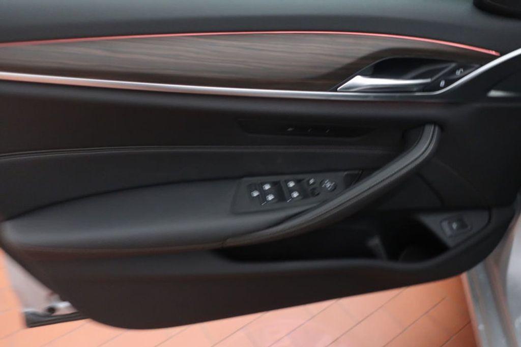 2018 BMW 5 Series 530i - 17172131 - 11