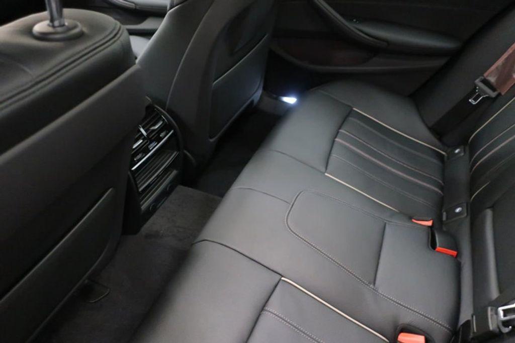 2018 BMW 5 Series 530i - 17172131 - 24