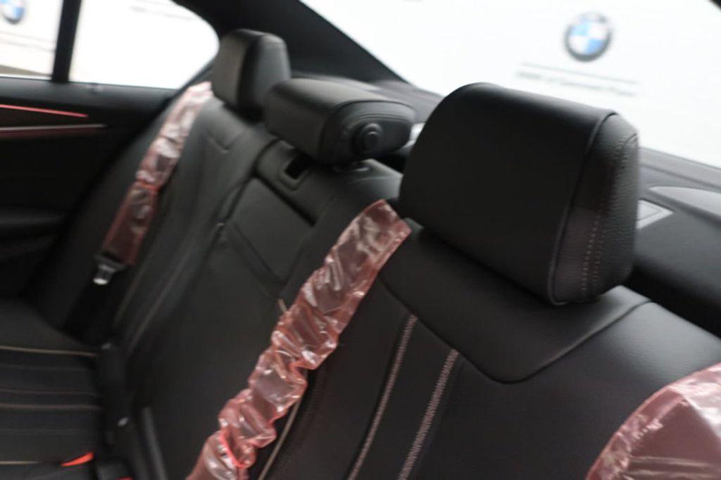 2018 BMW 5 Series 530i - 17172131 - 26