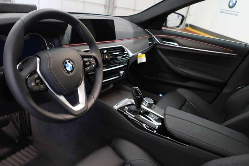 2018 BMW 5 Series 530i - 17172131 - 28