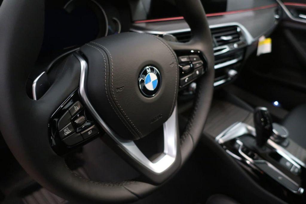 2018 BMW 5 Series 530i - 17172131 - 29