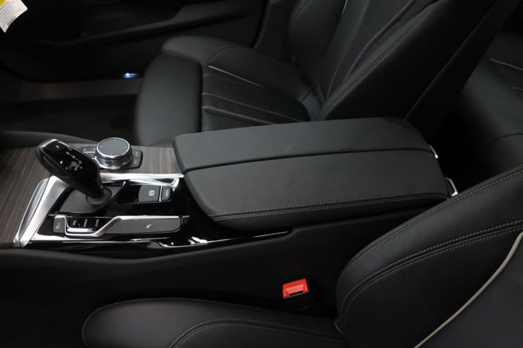 2018 BMW 5 Series 530i - 17172131 - 32