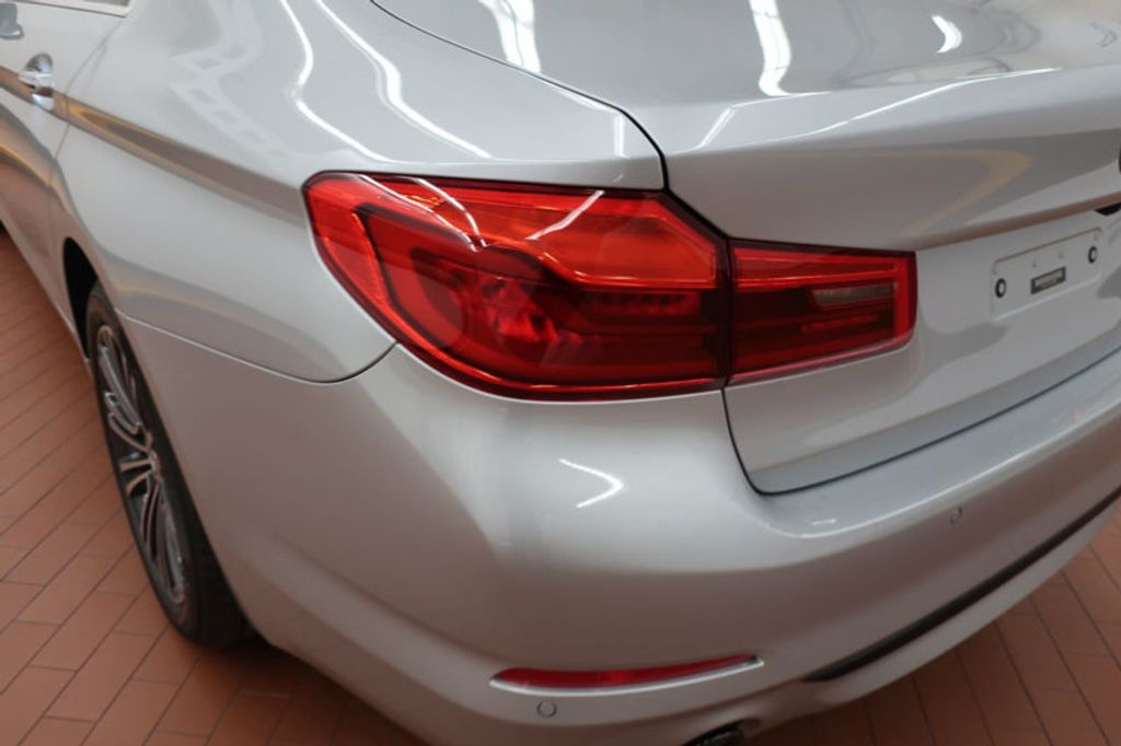 2018 BMW 5 Series 530i - 17172131 - 3