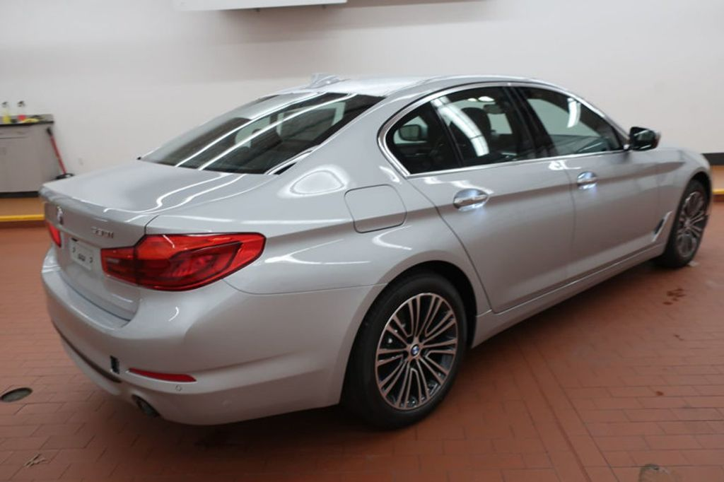 2018 BMW 5 Series 530i - 17172131 - 5