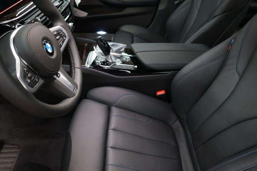 2018 BMW 5 Series 540i - 17118094 - 12