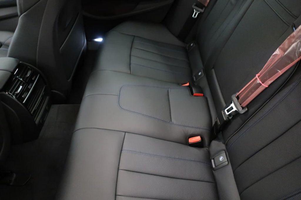 2018 BMW 5 Series 540i - 17118094 - 22