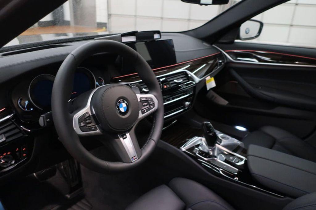 2018 BMW 5 Series 540i - 17118094 - 25