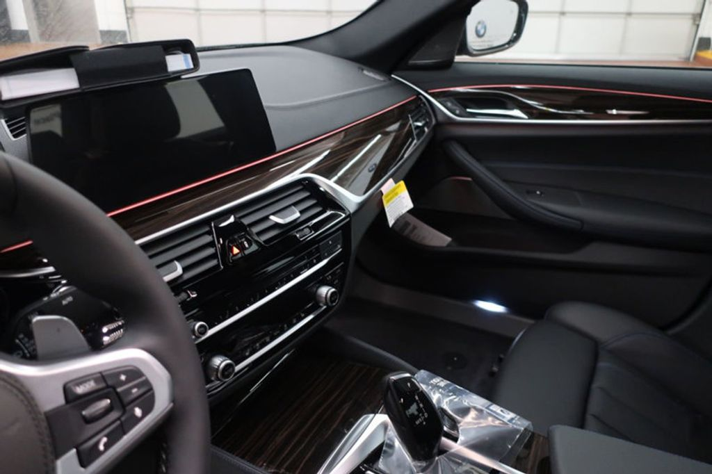 2018 BMW 5 Series 540i - 17118094 - 28