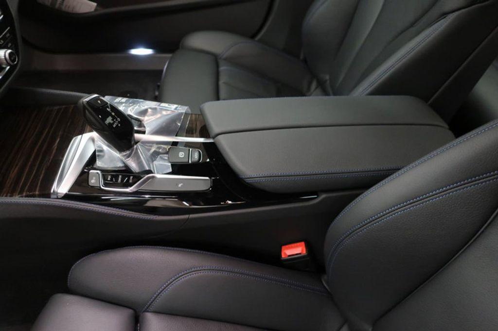2018 BMW 5 Series 540i - 17118094 - 30