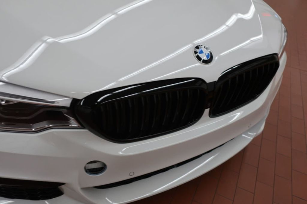 2018 BMW 5 Series 540i - 17208755 - 9