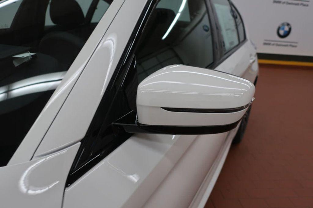 2018 BMW 5 Series 540i - 17208755 - 10