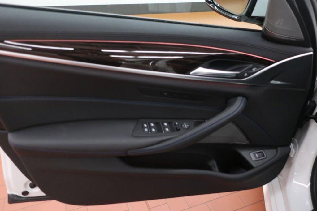 2018 BMW 5 Series 540i - 17208755 - 11