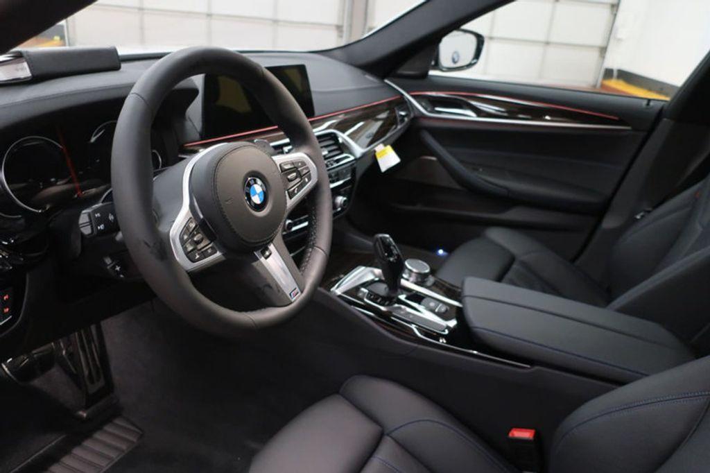 2018 BMW 5 Series 540i - 17208755 - 15