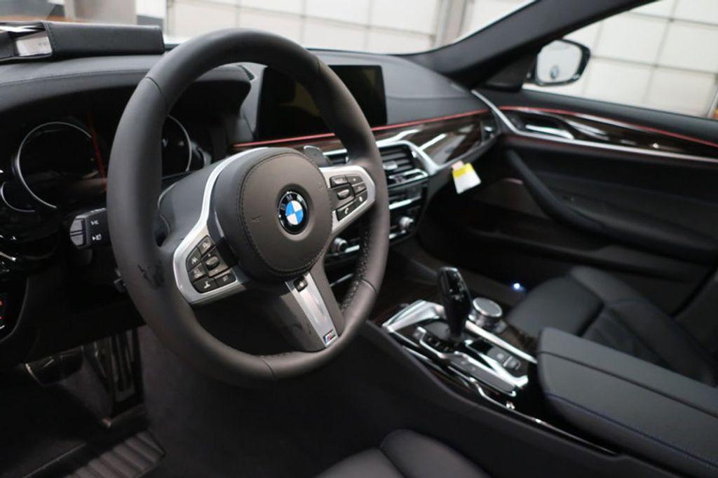 2018 BMW 5 Series 540i - 17208755 - 21